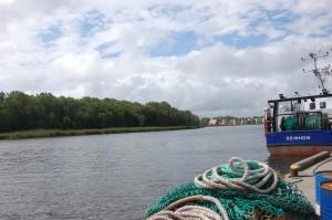 na czas remontu portu rybackiego, kutry przeniosły się na zalew
