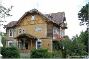 i kolejny , ładny dom