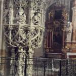 Chrzcielnica w katedrze Św. Szczepana